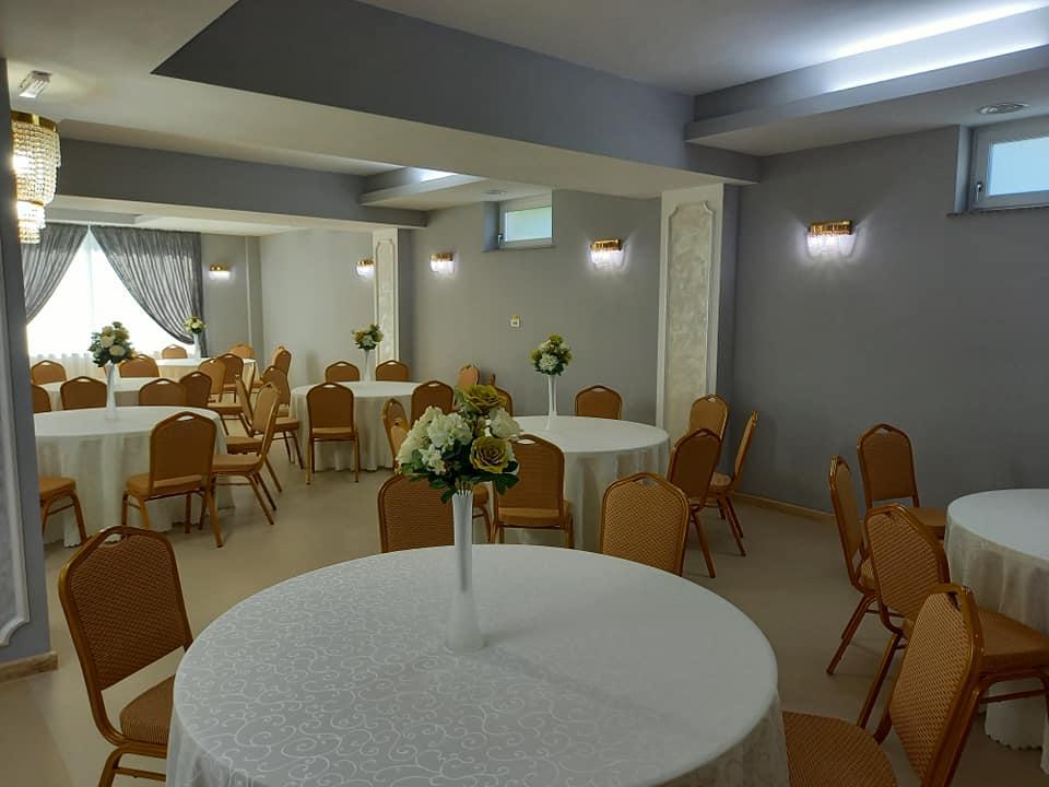 Interior restaurant Dumbrava Plopului
